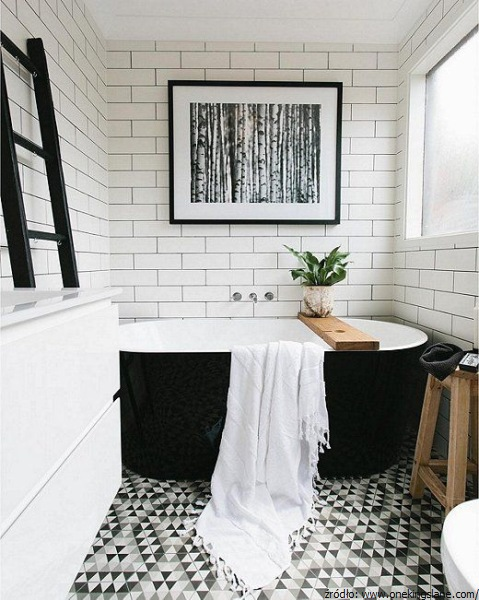 Czarno na bia ym aran acje azienek black white for Monochrome bathroom designs