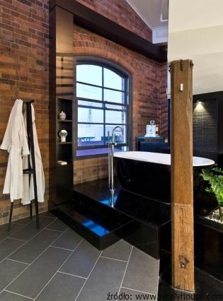 Cegła_i_beton_w_industrialnej_łazience_3.jpg