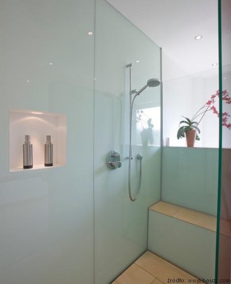Jak_odmienić_ścianę_w_łazience.jpg