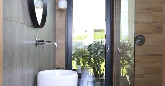 Urządzając łazienkę – jak zapewnić sobie dobre oświetlenie iwentylację?