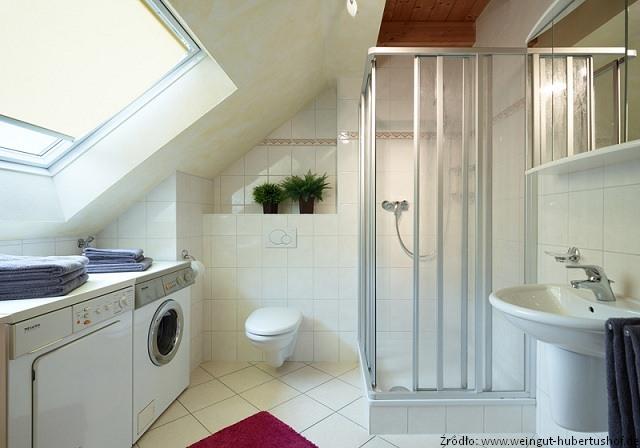 Trudności z łazienką na poddaszu – do pokonania! - Łazienki - projekty, zdjęcia - łazienki na ...